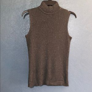 212 Collection Sleeveless Knitted Turtle Neck